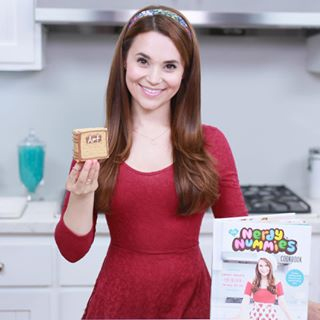 rosanna pansino height weight body measurements celebrity stats. Black Bedroom Furniture Sets. Home Design Ideas