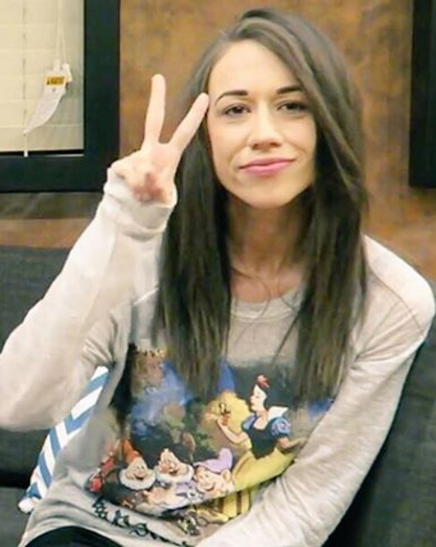 Colleen Ballinger peace sign
