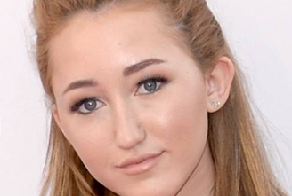 Noah Cyrus Height biography